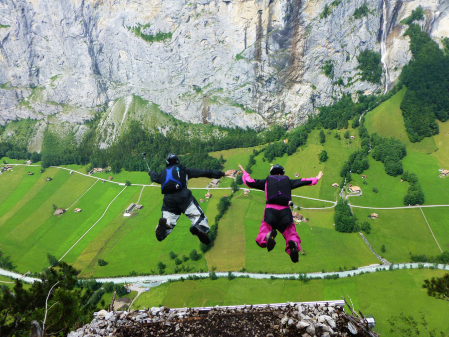 How to Find & Watch BASE Jumping In the Lauterbrunnen Valley