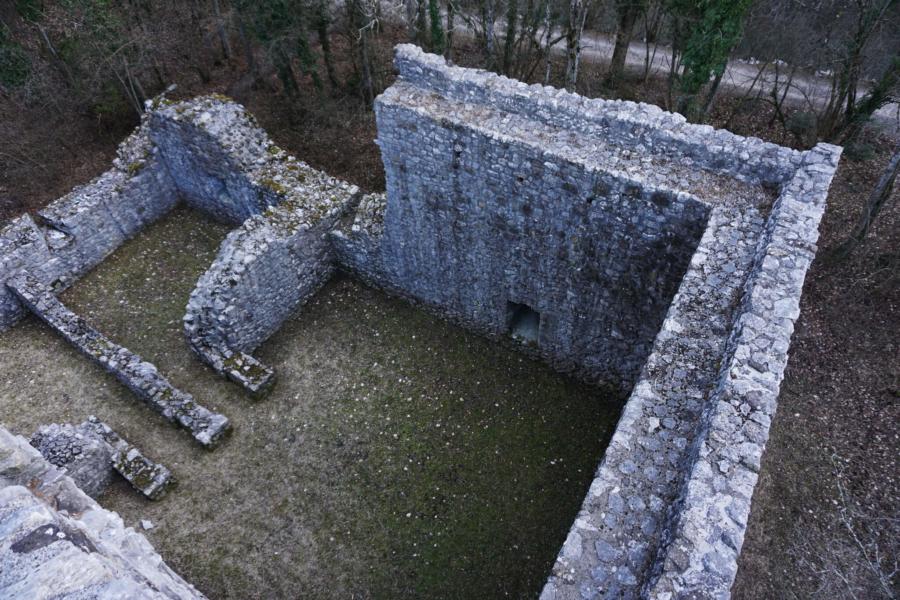 Ruine Weissenau: Interlaken's Castle Ruins